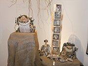Výstava krumlovských výtvarníků je k vidění do konce března.