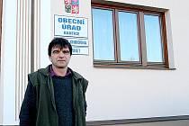 René Remeš žije v Banticích už pětadvacet let. Obec dobře zná a ví, co místní nejvíc trápí.