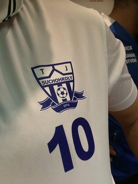 Zapsat se do registru dárců kostní dřeně přišli společně fotbalisté ze Suchohrdel.