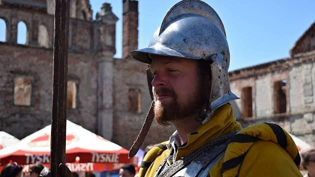 Zbyněk Sturz, v uniformě pikenýrů na jedné z akcí, kde vystupovali znojemští Knechti.