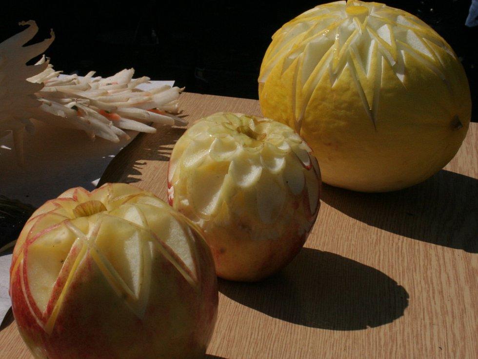 Vyřezávané ovoce a zelenina Dany Frimlové