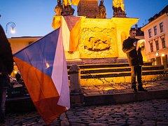 Stovka lidí se sešla ve středu večer ve Znojmě na Masarykově náměstí.