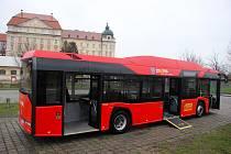 Autobusy Znojemské dopravní společnosti Psota jezdí ve Znojmě už deset let.