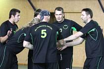 Hrušovanští volejbalisté hrají jako jediní na okrese nižší krajskou soutěž.