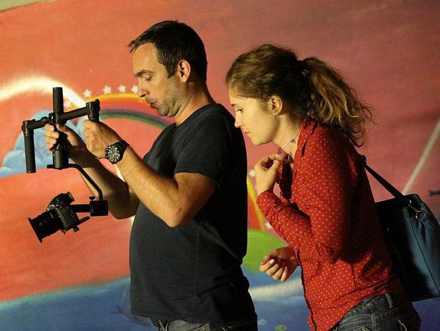 Režisér tvoří na plátně vlastní svět, říká o své práci Toulová