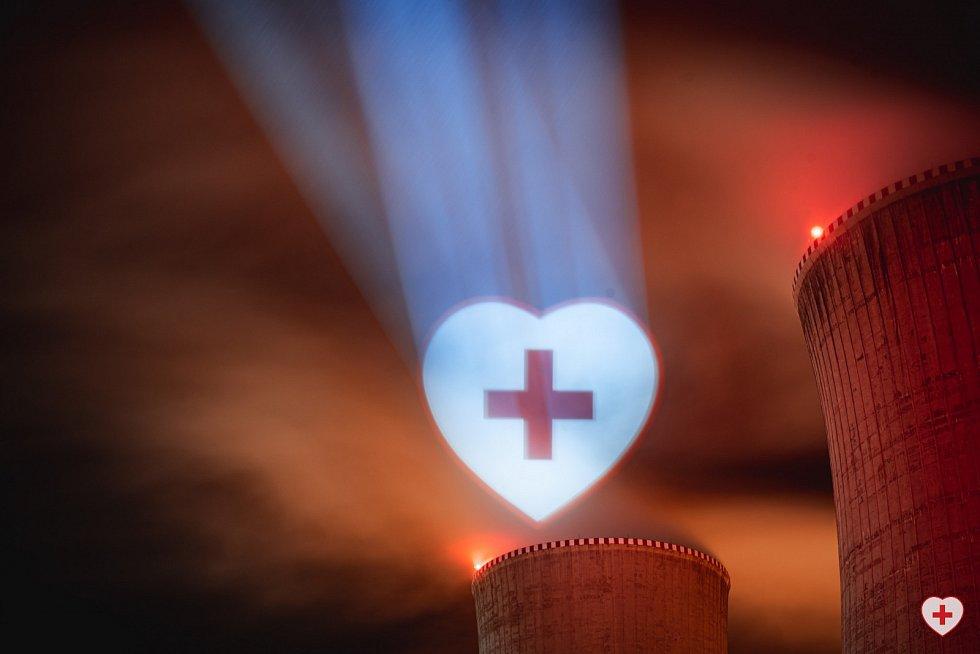 Iniciativa Světlem proti viru nasvítila i dukovanskou elektrárnu.