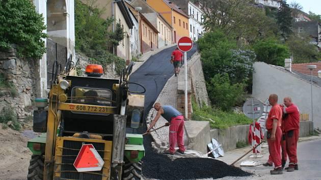 Oprava kanalizace ve Znojmě. Ilustrační foto.