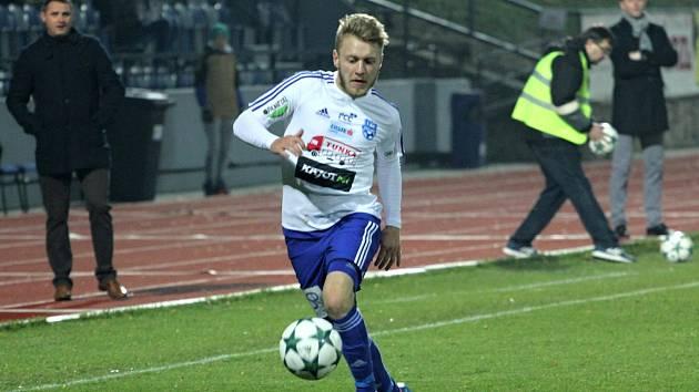 Záložník Michal Holub.