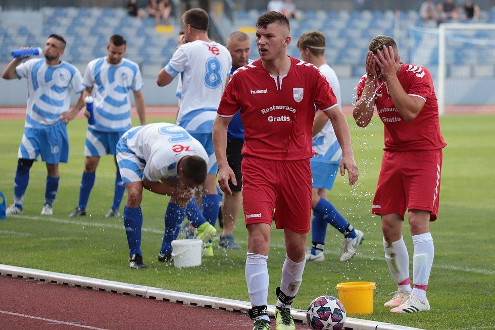 Fotbalisté Přímětic (modří) ovládli finále Okresního poháru FAČR. Předposlední červnovou neděli porazili tým Višňové 4:0.