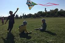 Děti ve znojemském lesním klubu Svatojánek oslavili dožínky a Michaelskou slavnost.