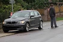 Přímo v obci se střetla na křižovatce tři osobní auta.