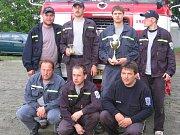 Dobrovolní hasiči z Tavíkovic.