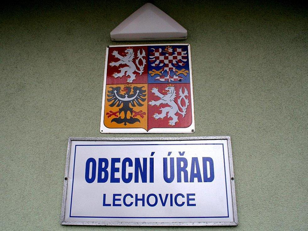 Obecní úřad Lechovice.