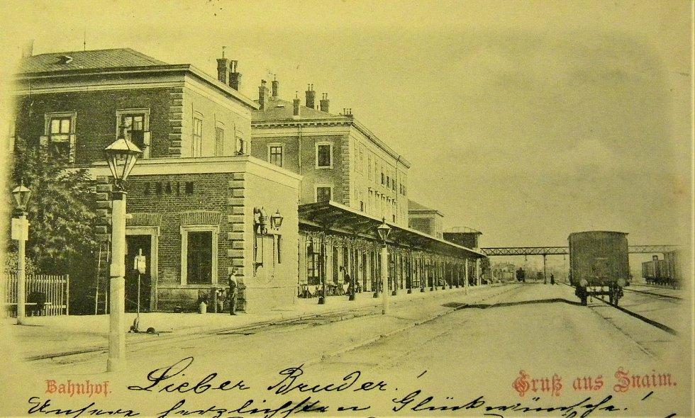 Znojemské nádraží okolo roku 1900.