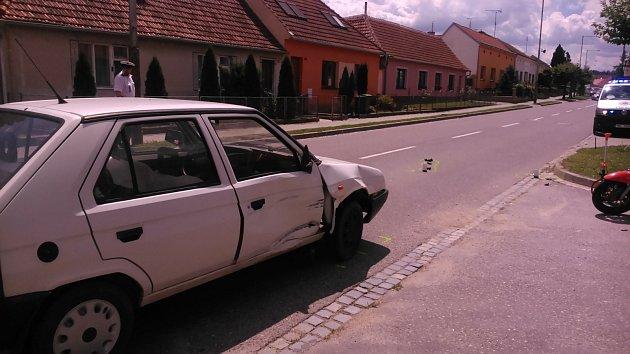 Srážka auta a motocyklu vNovém Šaldorfu.