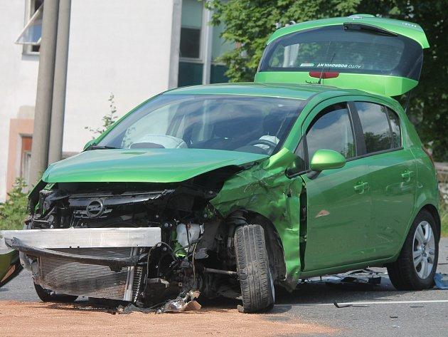Nehoda na Brněnské. Čtyři lidé se při ní zranili.