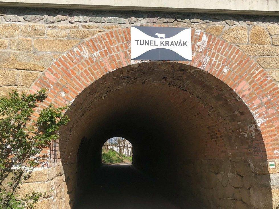 Na trati Kravák Runu překonají běžci i tunel po železniční tratí ze Znojma na Vídeň.