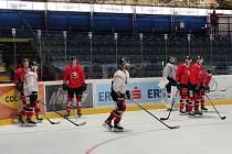 Hokejisté Znojma obuli po pěti měsících brusle a vyjeli na led. Začali přípravu na novu sezonu.