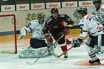 Martin Růžička (v černém) vstřelil Liberci dva góly.