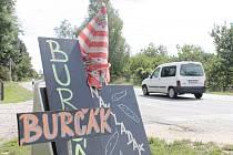 Ve Znojmě již lze koupit první letošní burčák. Nabízí jej stánkaři i první vinotéky.