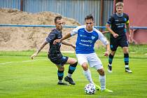 Fotbalisté Znojma (černí) chtějí v nové sezoně držet střed tabulky.
