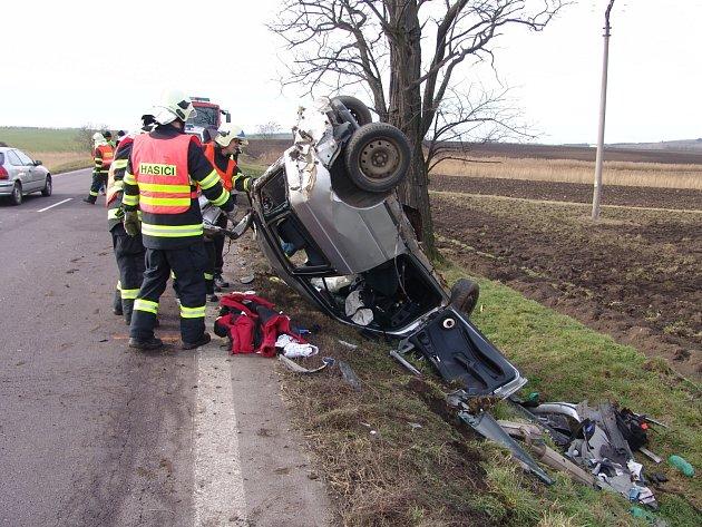Nehoda u Miroslavi si vyžádala jedno vážné zranění.