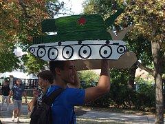 Výročí srpnové okupace připomněl odpolední happening Vynášení tanku ze Znojma.