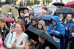 Ve Znojmě protestovalo proti krokům premiéra Babiše a za fungující justici i vládu mezi dvěma až třemi stovkami lidí.