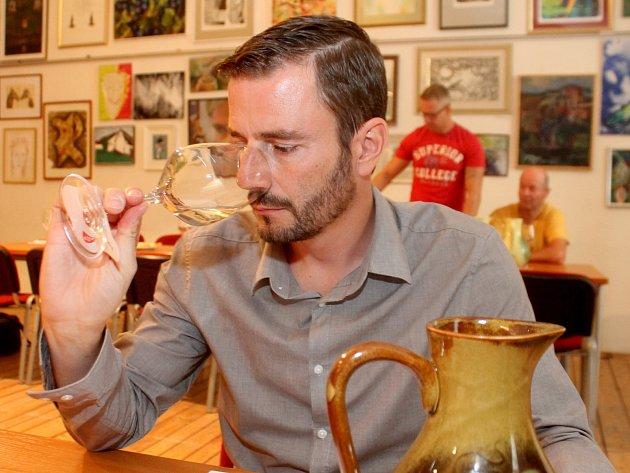 Tradiční srpnové zatřiďování nových vín do VOC Znojmo měli vinaři ze Znojemska v Louckém klášteře.