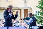 Hudební festival Znojmo při svém patnáctém ročníku nabídl třicet koncertů a dalších vystoupení, které navštívilo na patnáct tisíc diváků. Úvodní symfonický koncert letos hostilo hradištské proboštství.