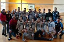 Volejbalisté starších žáků Znojma pětkrát zvítězili v dalším kole Českého poháru a vyhoupli se na třetí místo soutěže.