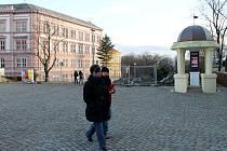 Proti plánované obnově znojemského městského parku vznikla v těchto dnech petice. Signatářům se mimo jiné nelíbí, že se ve střední části parku pokácely všechny stromy, i ty zdravé.