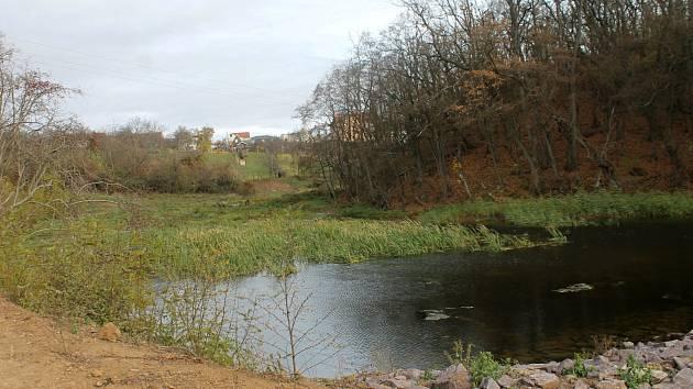 Práce na soustavě suchohrdelských rybníků jsou u konce.