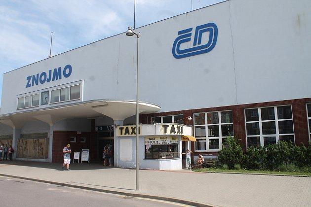 Nádraží ve Znojmě čeká přestavba a modernizace.