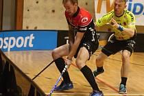 Vyrovnaný zápas sehrály v sobotu v rámci 12. kola florbalové Tipsport Superligy týmy domácího Znojma (červenočerní), jemuž patří v tabulce konečná příčka, a první Sparty. Ta nakonec ovládla poslední část a zvítězila 6:4.