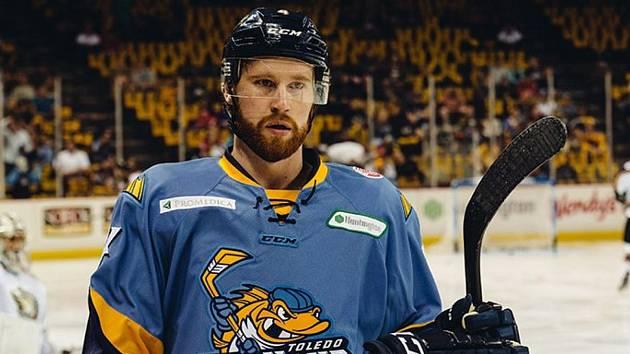 Kanaďan Kevin Tansey.