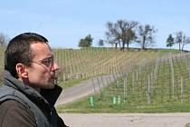 Jednatel firmy Agro Stošíkovice Libor Kahou na vinici U tří dubů.