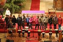 Charitativní koncert Děti pomáhají dětem vydělal sto tisíc korun.