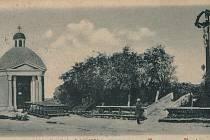 Dnešní Mariánské náměstí před rozšířením města podle významného regulačního plánu.
