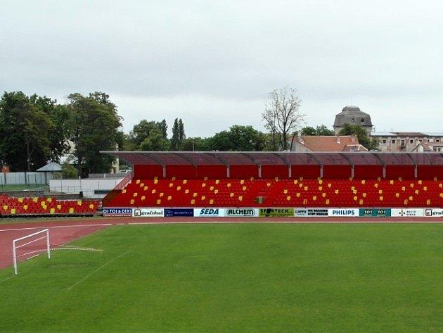 Ukázka z vizualizace plánované opravy fotbalového stadionu ve Znojmě.