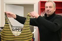 Hokejový obránce Roman Kaňkovský slavil titul s Jihlavou a pomáhal Znojmu do extraligy.