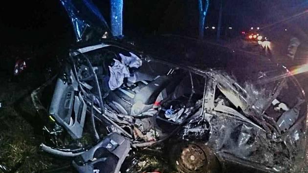 Hydrauliku museli v sobotu před šestou hodinou večer použít hasiči při vyprošťování řidiče z osobního auta.