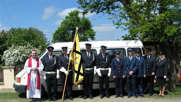 Ctidružičtí dobrovolní hasiči.