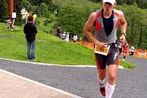 Po závodě byl Jiří Antoš (na snímku) zcela vyčerpán. Závod dokončil za necelých deset hodin. Na nejlepšího ztratil zhruba hodinu.
