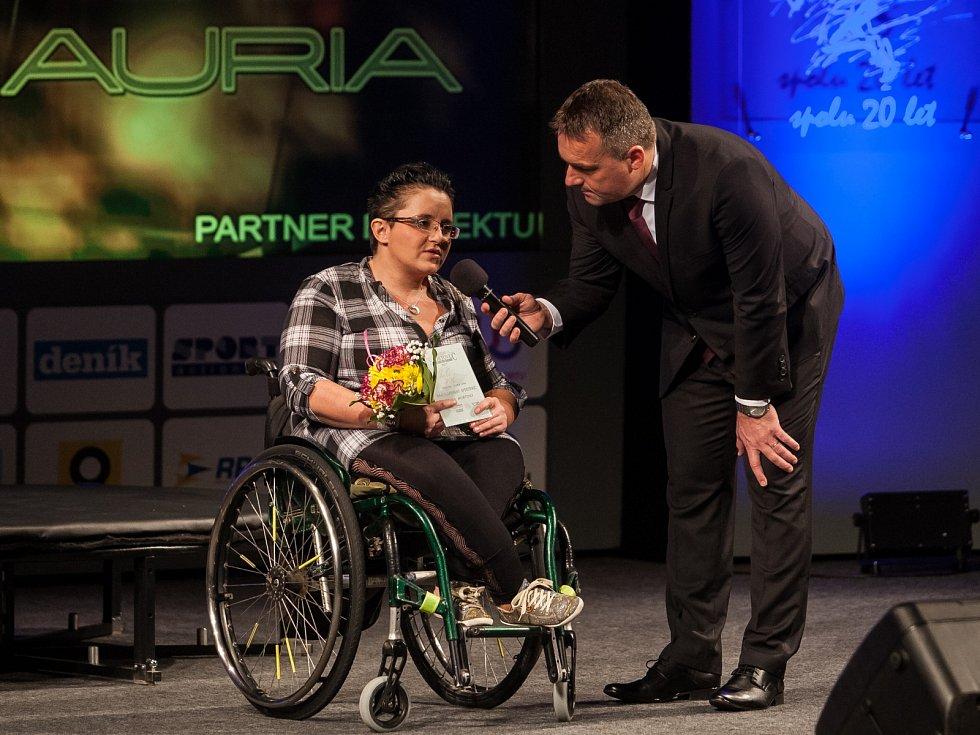 Ocenění pro handicapovaného sportovce převzala Petra Hurtová (handbike).