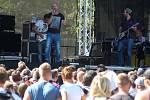 No name. Devatenáct interpretů a kapel se v pátek a v sobotu představilo na dvou pódiích pod Bezdězem.