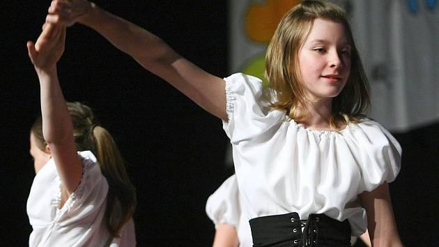 Školní akademie ZŠ 28. října v České Lípě se konala na velkém sále KD Crystal.
