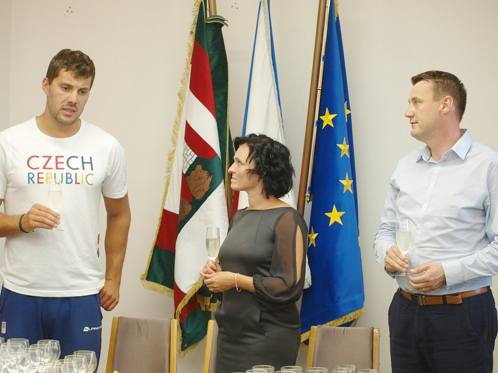 EuroHer se ujal dvojnásobný olympijský medailista z Ria Josef Dostál. Letošní víceboj absolvovalo 124 šestičlenných týmů, na které čekalo 17 disciplín.