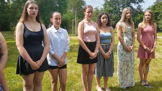 Žáci zTyršovky vystoupili vparku M. Horákové.