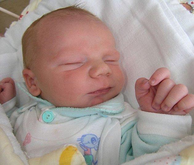 Mamince Elizabetě Nejedlé ze Žandova se 27. února v 5:03 hodin narodil syn Matyáš Nejedlý. Měřil 47 cm a vážil 3,39 kg.